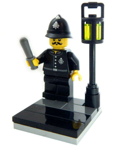 NEW LEGO COP on CORNER MINIFIG LOT figure city town police street lamp bobby