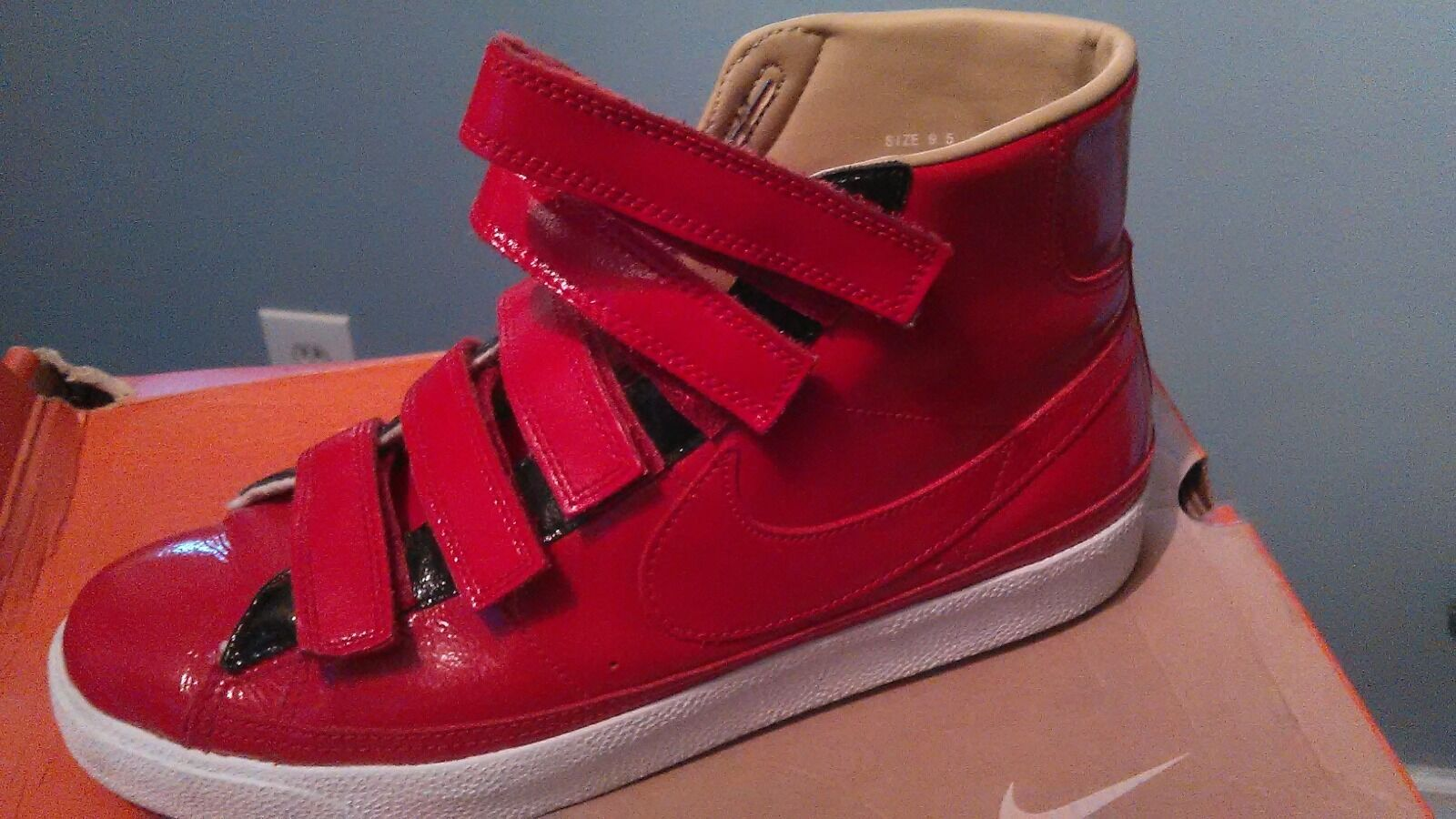 Nike Air Force 1 High Red Patent Basketball shoes Size 8.5 M