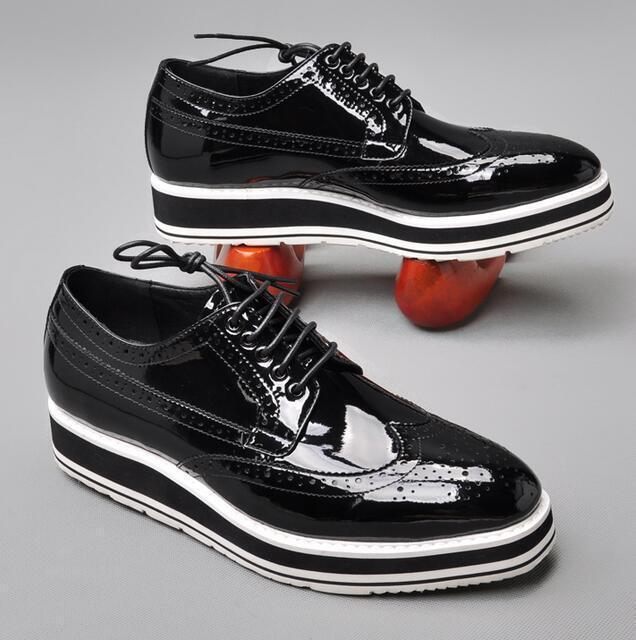 punti vendita Uomo Brogue nero Shiny Leather Oxford Wingtip Carved Wedge Wedge Wedge Heel Round Toe Shoe  la vostra soddisfazione è il nostro obiettivo
