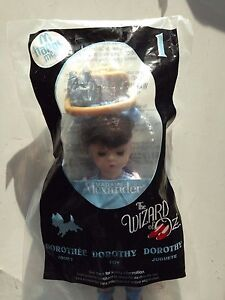 McDonalds-2008-Madame-Alexander-THE-WIZARD-OF-OZ-1-Dorothy-and-Toto-Dog-NEW