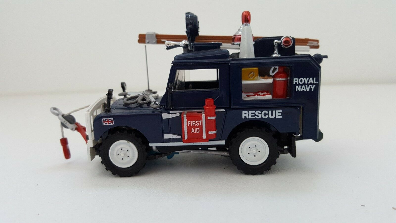 Matchbox - 1952 Land Rover - Royal Navy - Rescue (1 43)