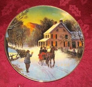 Avon-Christmas-Plate-034-Home-For-the-Holidays-034-22k-Gold-Trim-1988-8-034-D