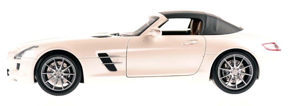 NOREV 183491 Mercedes-Benz SLS AMG Roadster 2011 Blanc Metallic 1 18 Nouveau Neuf dans sa boîte
