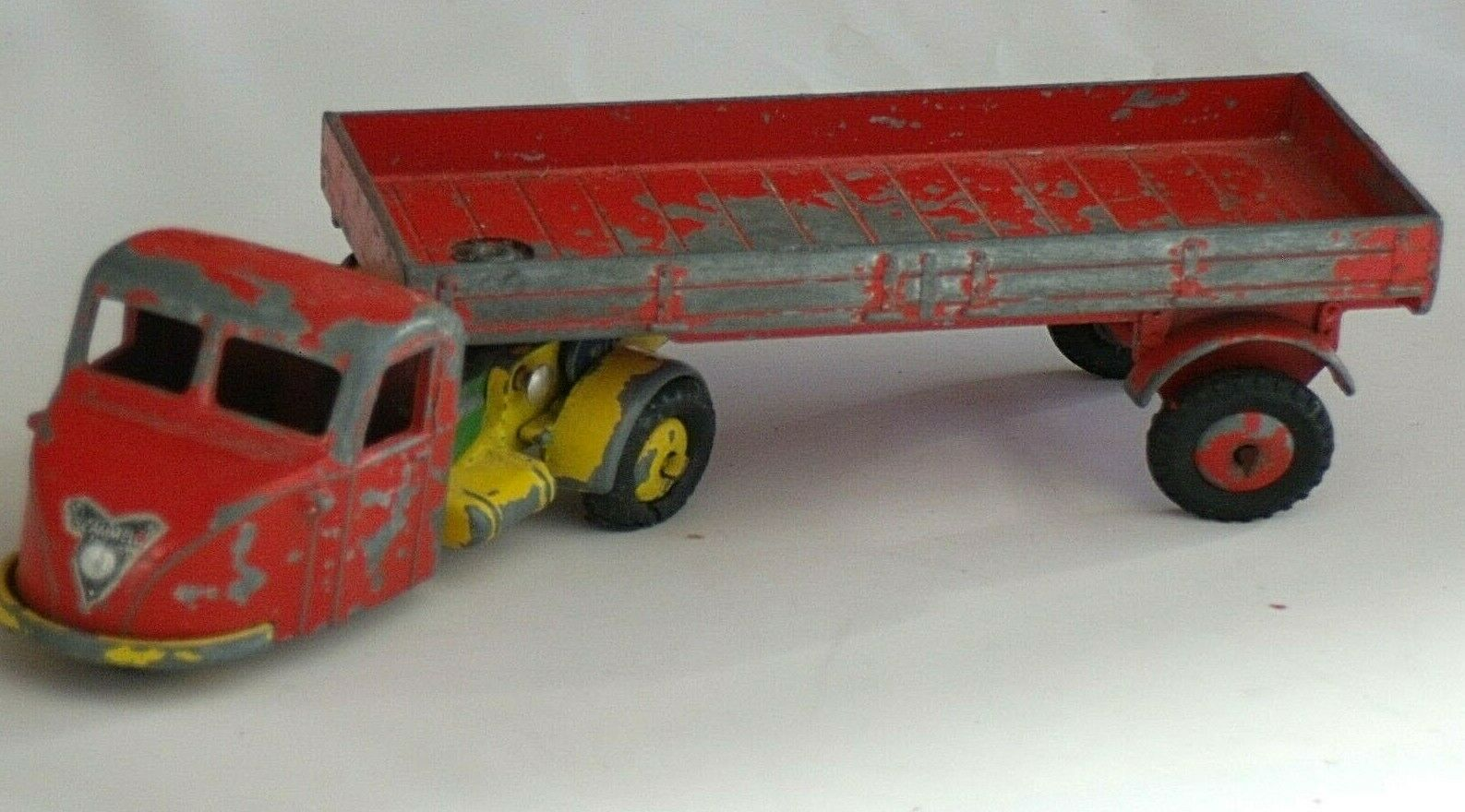 CRESCENT - SCAMMELL SCARAB WITH SEMI-TRAILER