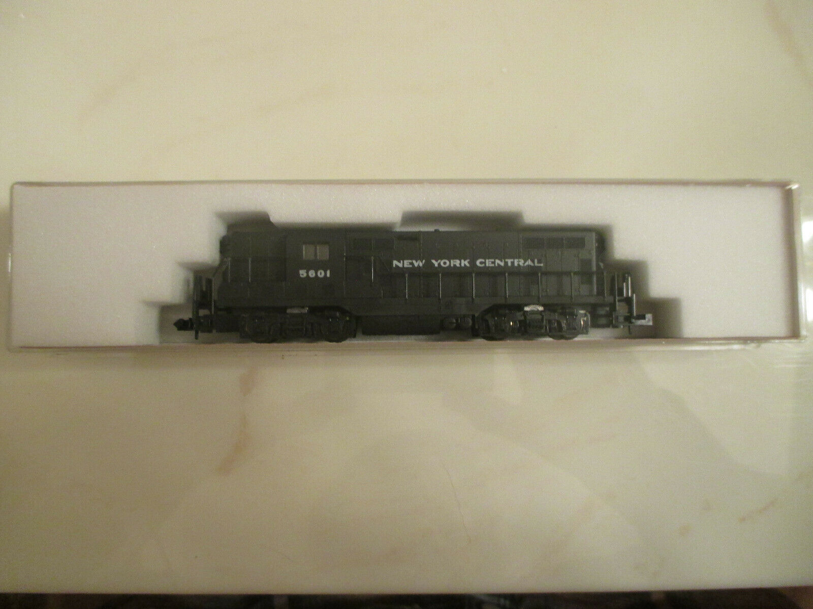 Atlas  N-Scale Model Train New York Central  5601