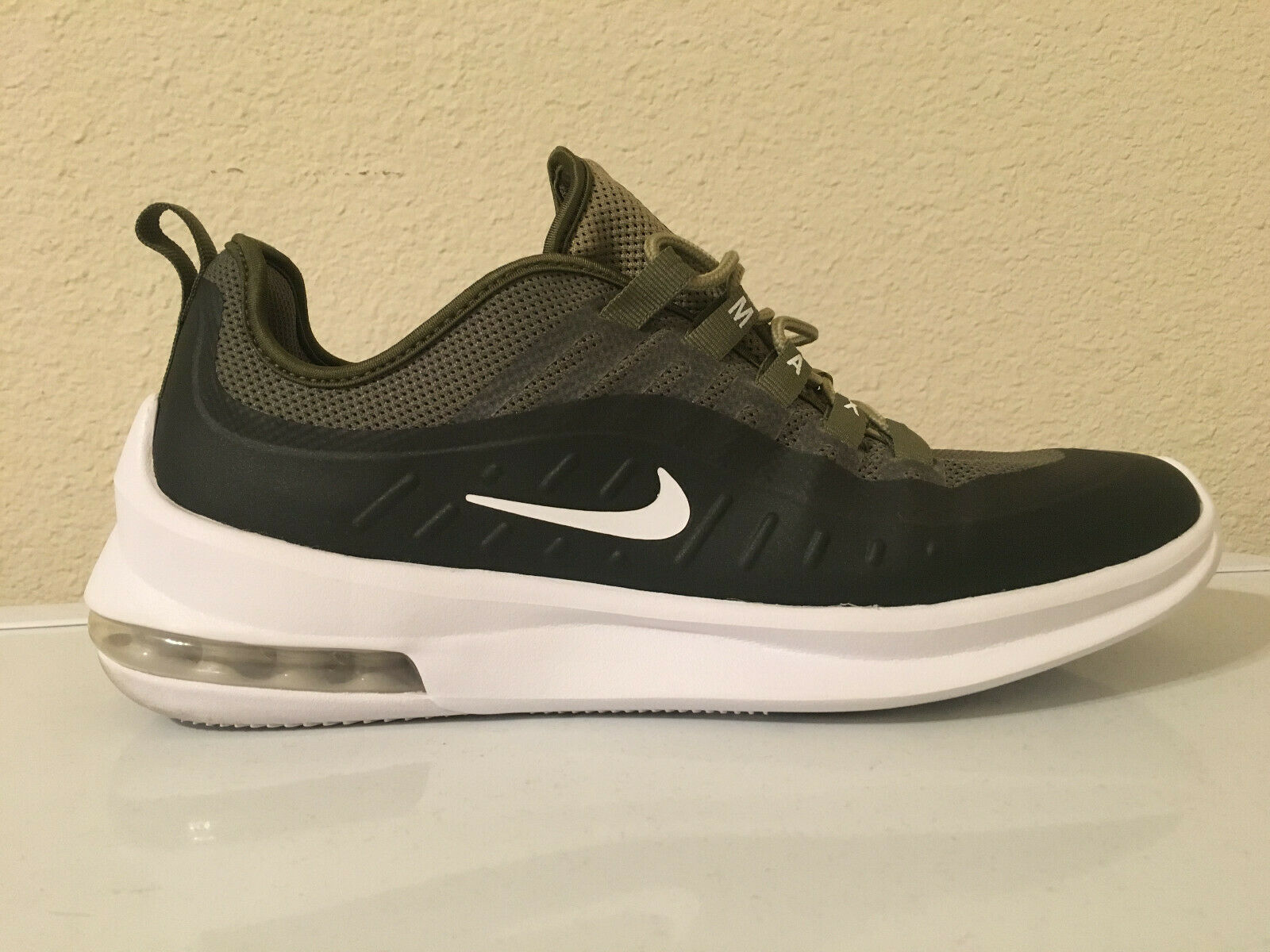 Nike Air Max Axis shoes - Olive White - Size 9.5