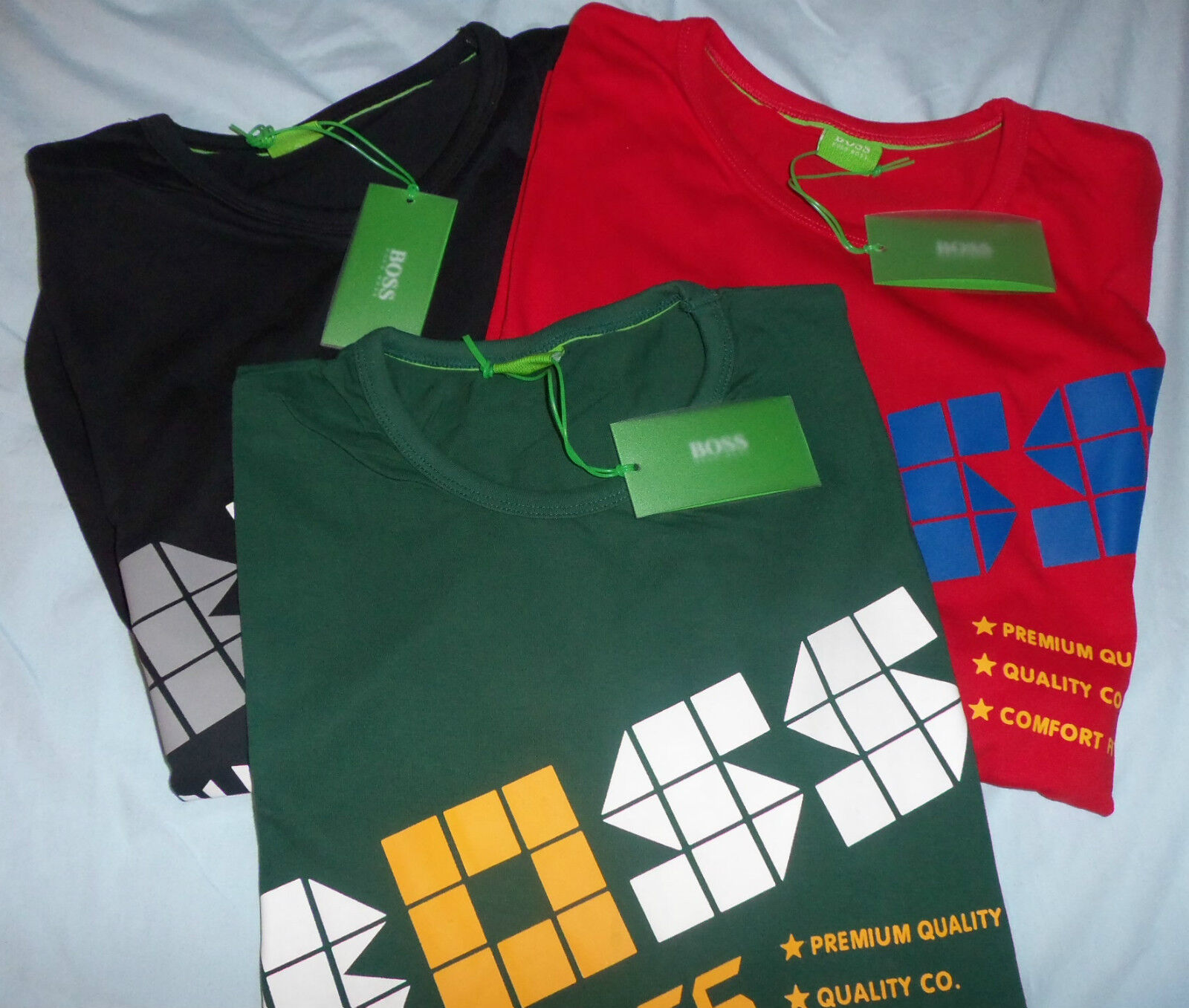 NEW w TAGS Authentic HUGO BOSS Mens Muscle SMALL T-SHIRT GREEN w  MULTI LETTERS