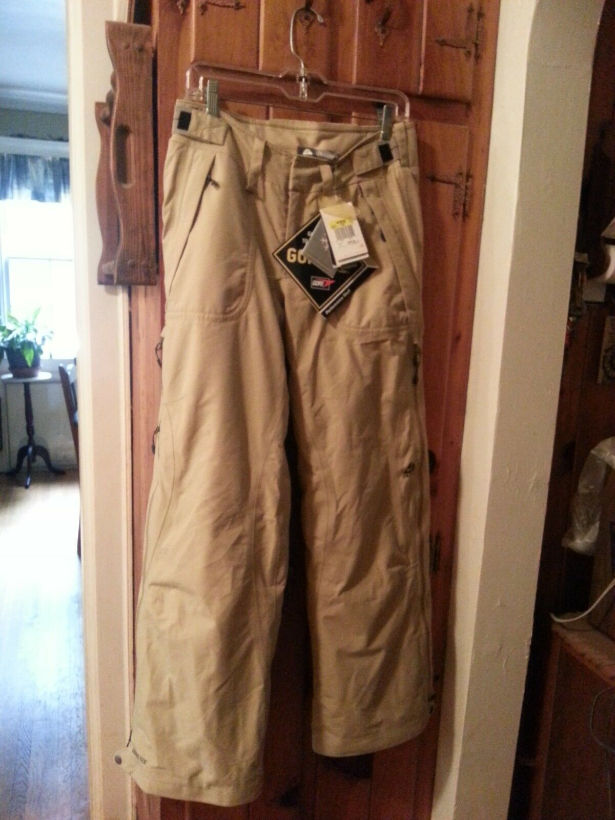 Nike ACG 3  Fit  Storm Snow Pants Womens Size Small Beige New w tags