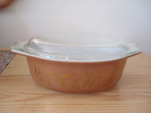 Vintage 1960s PYREX EARLY AMERICAN 1 12 Qt Cinderella Covered Casserole 043