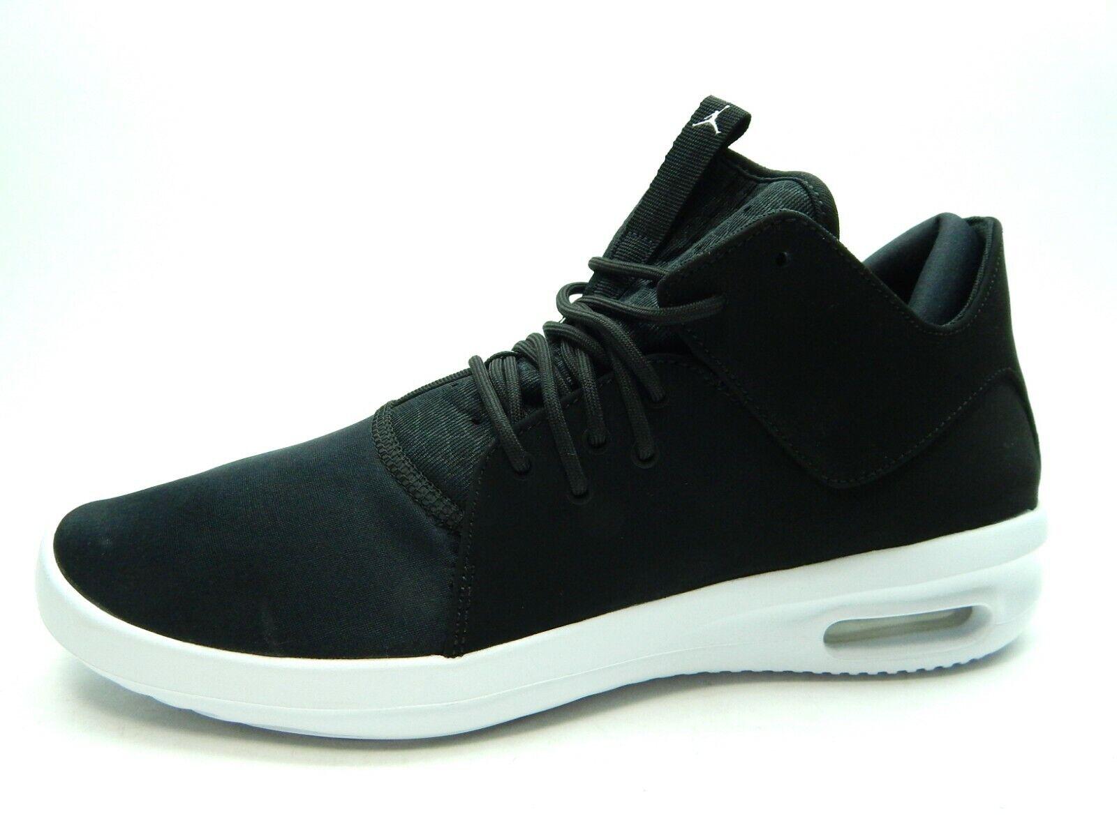Jordan hombres zapatos talla de clase Air First 13.0 Negro blancoo AJ7312 010