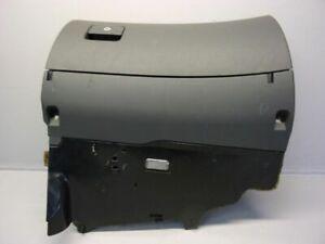 Audi A6 (4B, C5) 2.5 Tdi Glove Box