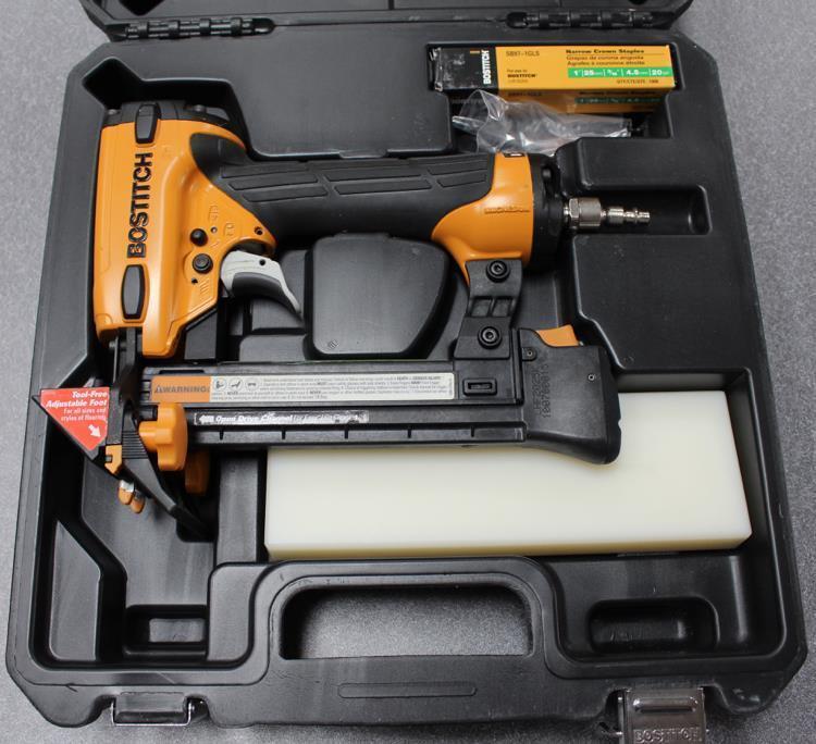 Bostitch 20 Gauge EngineeROT Hardwood/Laminate Flooring Stapler LHF2025K New