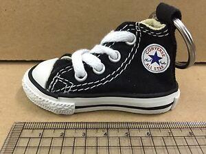 Détails sur Nouveau CONVERSE Chuck Taylor All Star Hi Top Chaussures Porte clés noir afficher le titre d'origine