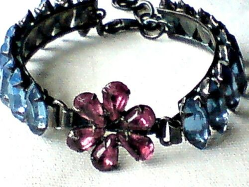 PRETTY BLUE /& PINK GLASS BEADED ADJUSTABLE BRACELET with a FLORAL DESIGN £3.99