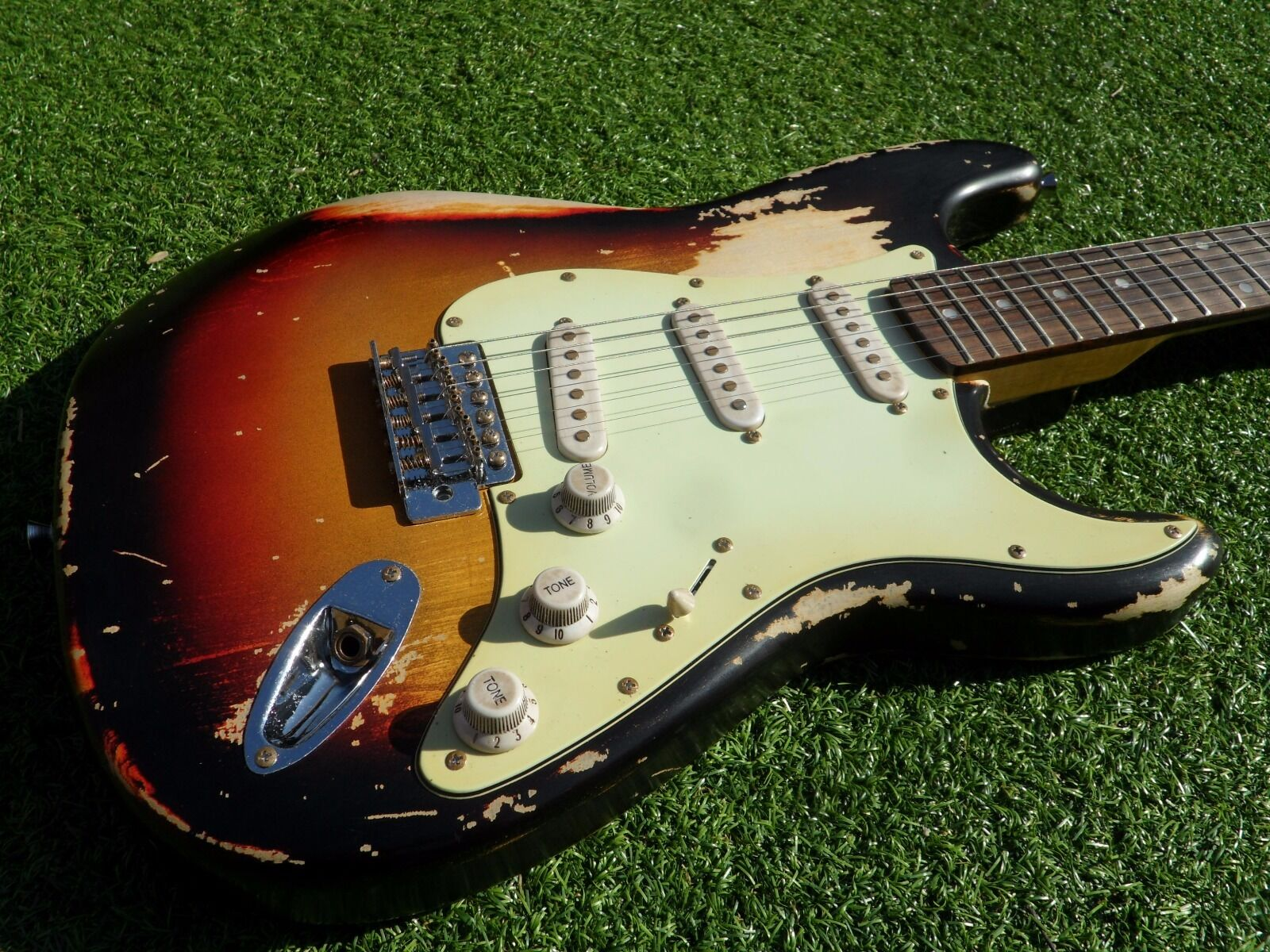 DY Guitars John Frusciante tribute relic strat guitar
