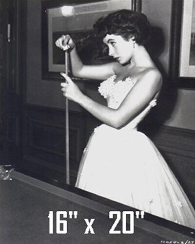 Elizabeth Taylor~Pool~Pool Hall~Billiards~Cue~Poster~16 x 20 Photo