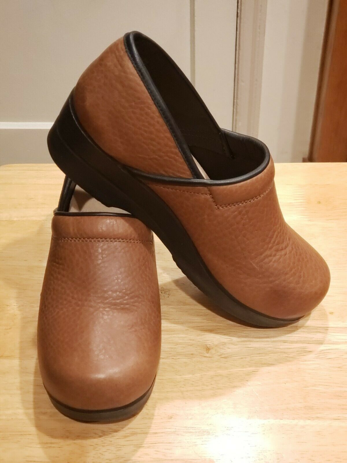 Ana-Tech Light Brown Leather CLOGS Professional Shoes Women Size 39 Made in USA