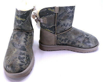 f790a5042c4 Uggs Shoes Mini Bailey Bow Snake Fur Animal Print Boots Womens 5 | eBay