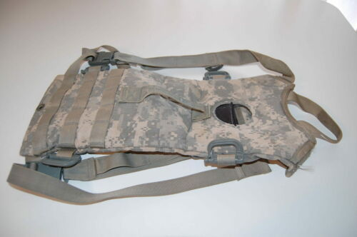 USGI MOLLE II HYDRATION POUCH CARRIER ONLY 3L//100OZ DIGITAL ACU USED NO BLADDER