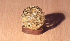 1/12 dolls house miniature Gold Filigree Sphere Ornament & Stand Table fireplace