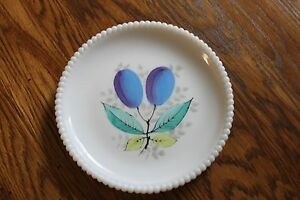 Westmoreland-Beaded-Edge-Luncheon-Plate-PLUMS-and-Leaves-7-3-8-034-wide-W-G-marked