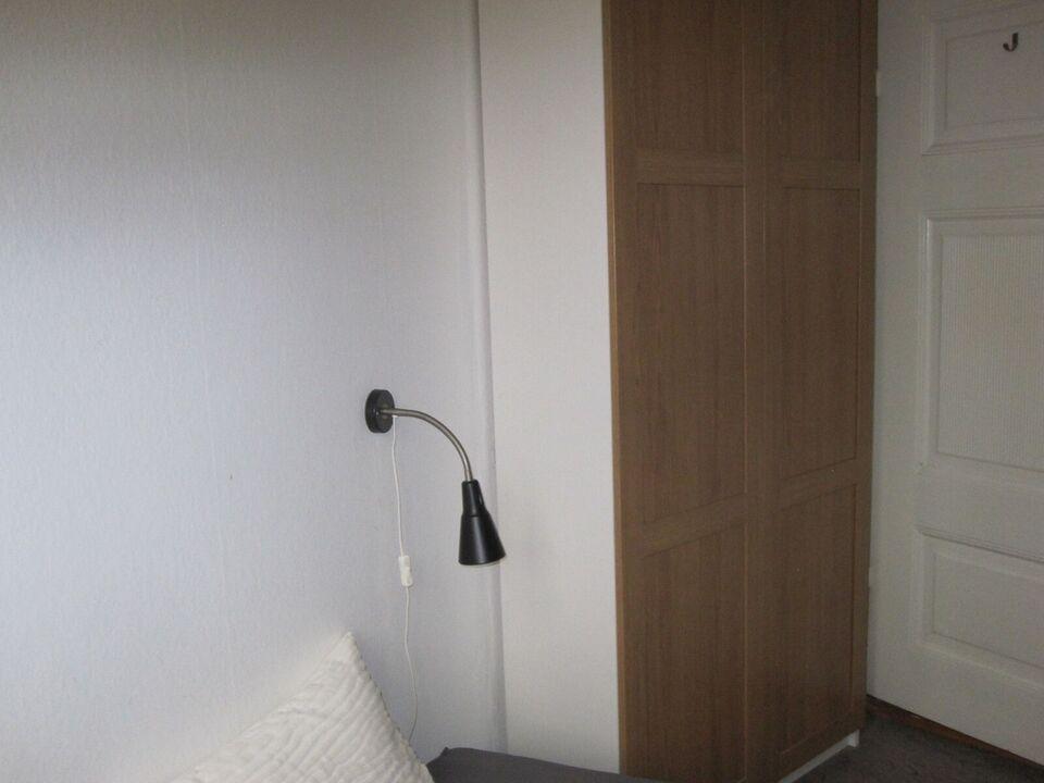 1553 værelse, kvm 30, mdr forudbetalt leje