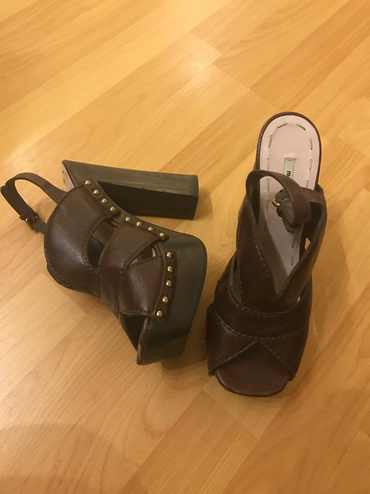 PREOWNED , GREAT CONDITION, MIU MIU BROWN LEATHER HEELS SIZE 37 1/2,   BB