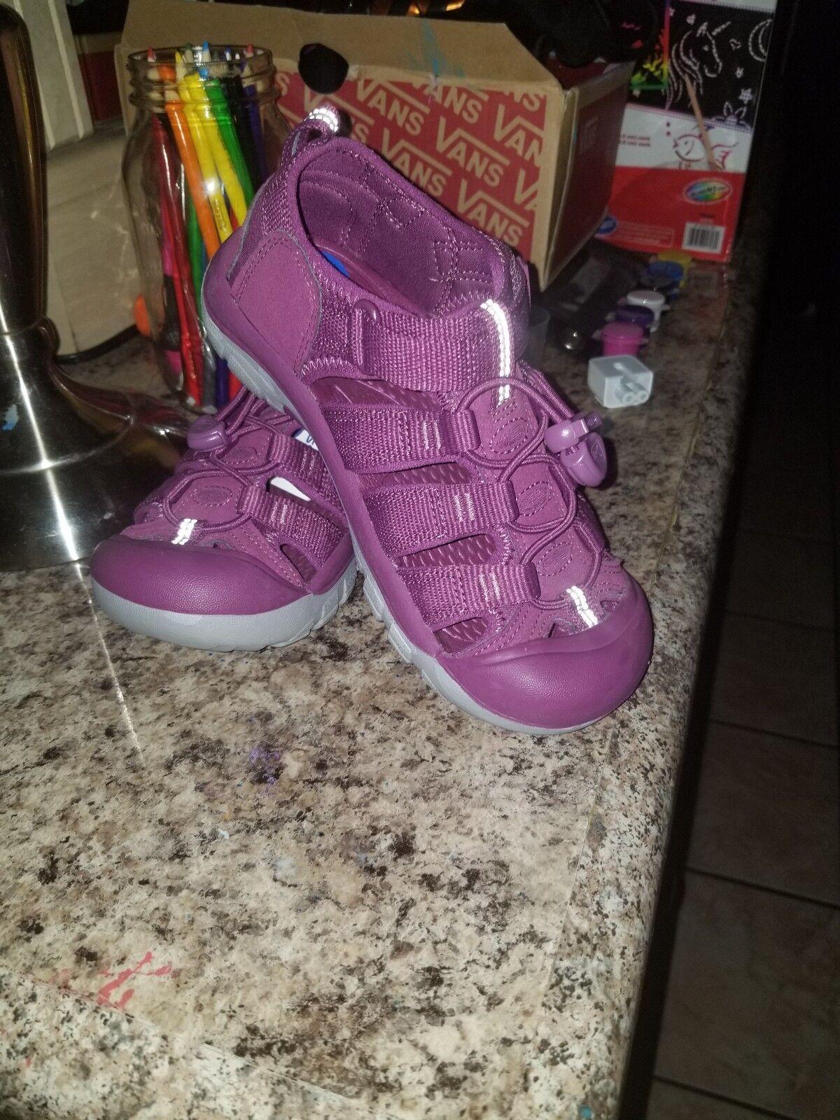 KEEN Newport H2 Women's Girl's Sandals Purple Water Size 2 Waterproof
