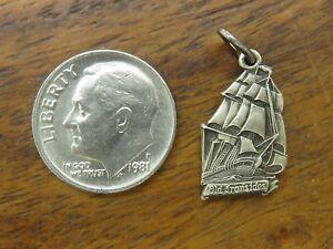 Vintages-sterling-silver-U-S-S-CONSTITUTION-SHIP-OLD-IRONSIDE-SOUVENIR-charm