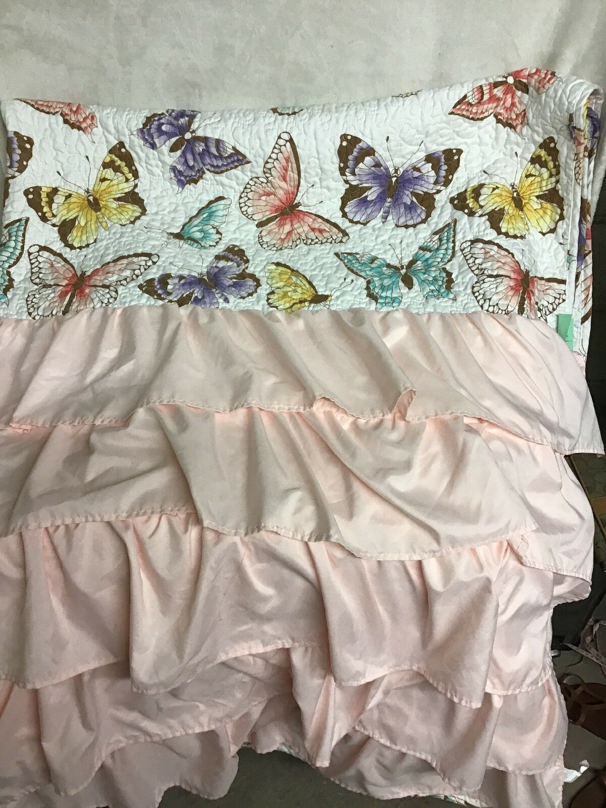 Lush Decor 16T000815 Flutter Butterfly Quilt Twin Pink & 2 Window Panels 52 X 84