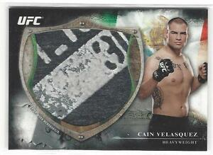 2014 Topps UFC Bloodlines Cain Velasquez 097/110 Fighter worn Shirt