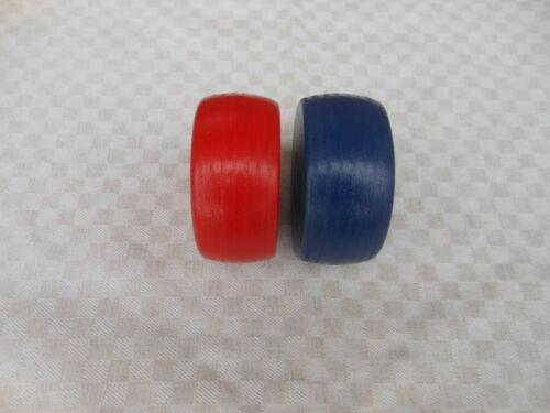 2 Kloats mit Bleikern in den Farben Rot und Blau Kloat Scheiben Boßeln