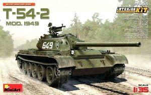 Miniart 1:35 T-54-2 Mod.1949 Soviet medium tank avec intérieur Model Kit