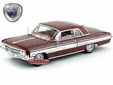 1962 Oldsmobile Starfire Burgundy 1:18 Lucky Diecast 20208