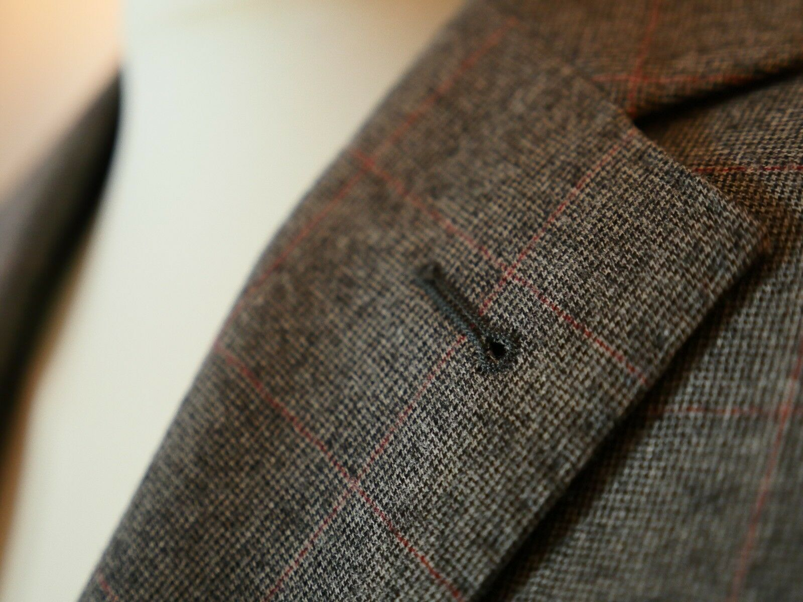 Schurwolle Anzug Woven in  Napoli 100% Schurwolle Größe 48