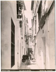 Espagne-Sevilla-Una-calle-de-Sevilla-phot-Garzon-Granada-Vintage-albumen-pr
