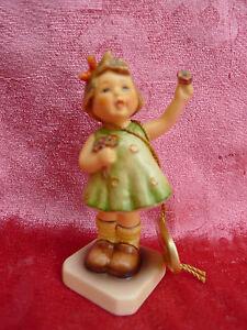 Beautiful-Porcelain-Figurine-Herzlich-Willkommen-Hummel-Goebel
