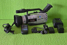 """Canon GL2 3CCD 2.5""""LCD 20X Optical Zoom MiniDV Professional Digiital Camcorder"""