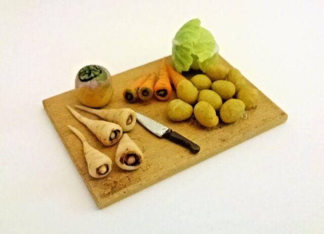 1:12 Miniature Dollhouse Farmer's Market Vegetable Prep Board