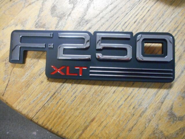 1992 1993 1994 1995 1996 FORD BRONCO XL FRONT FENDER EMBLEM F2TZ-16720 NEW FORD
