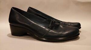 Clarks-Artisan-Dark-Blue-Leather-Low-Heels-Women-039-s-Size-8-5-M-Slip-On-Shoes
