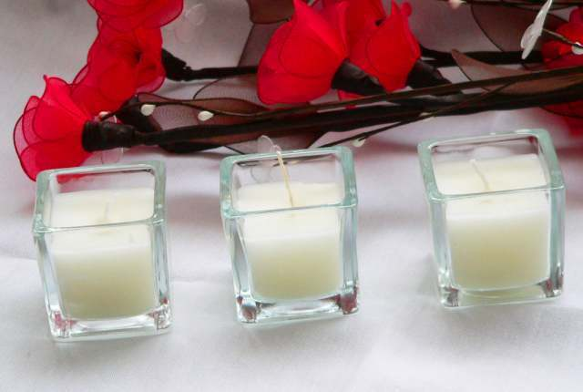 120 Square Glass Function Event Table Centrepiece Decoration blanc Wax Candle