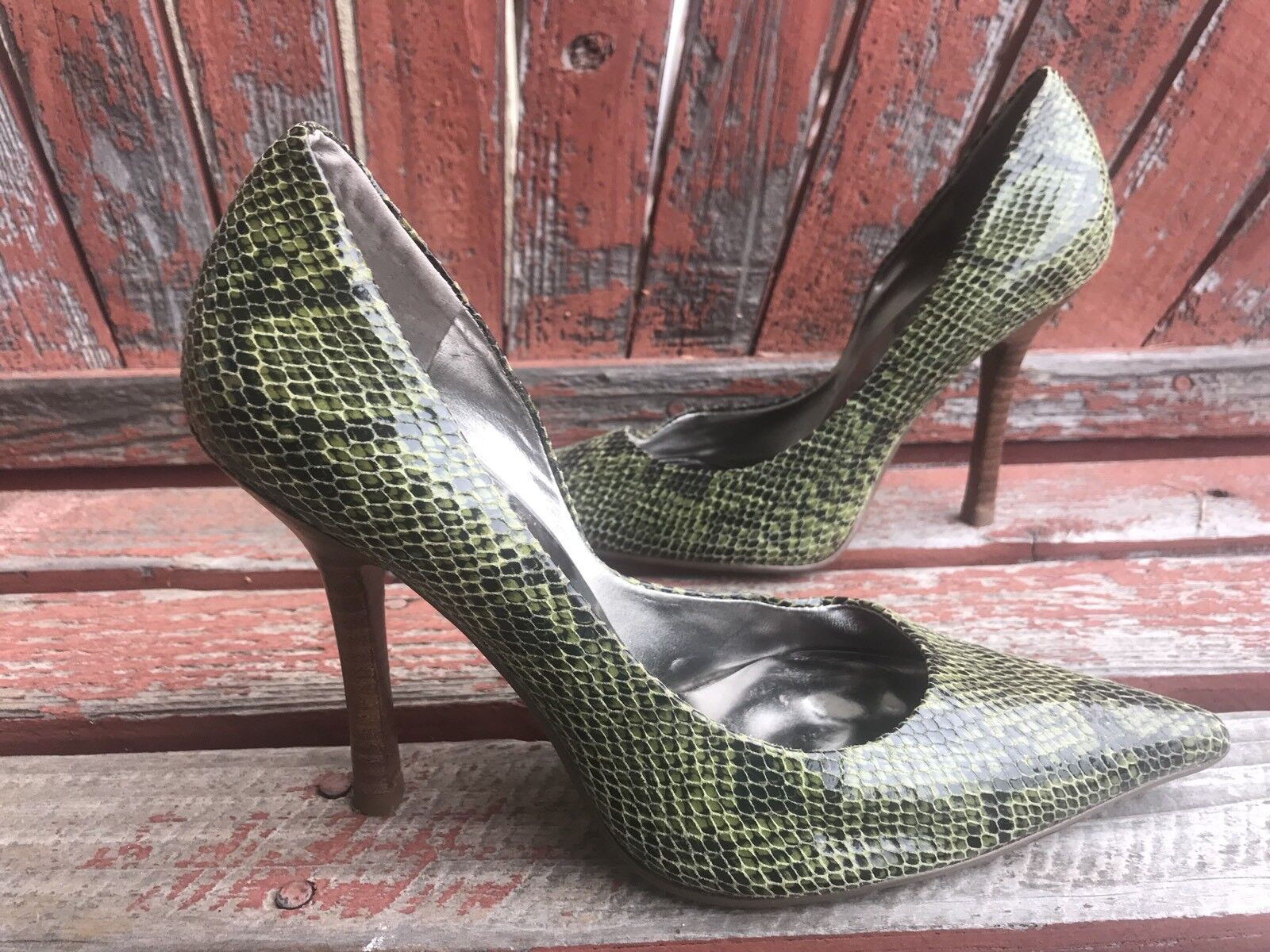 GREEN bLaCk SNaKeSKiN EUC Sz 6 Pointy Toe CARRIE Stiletto Heels PUMPS GuESS