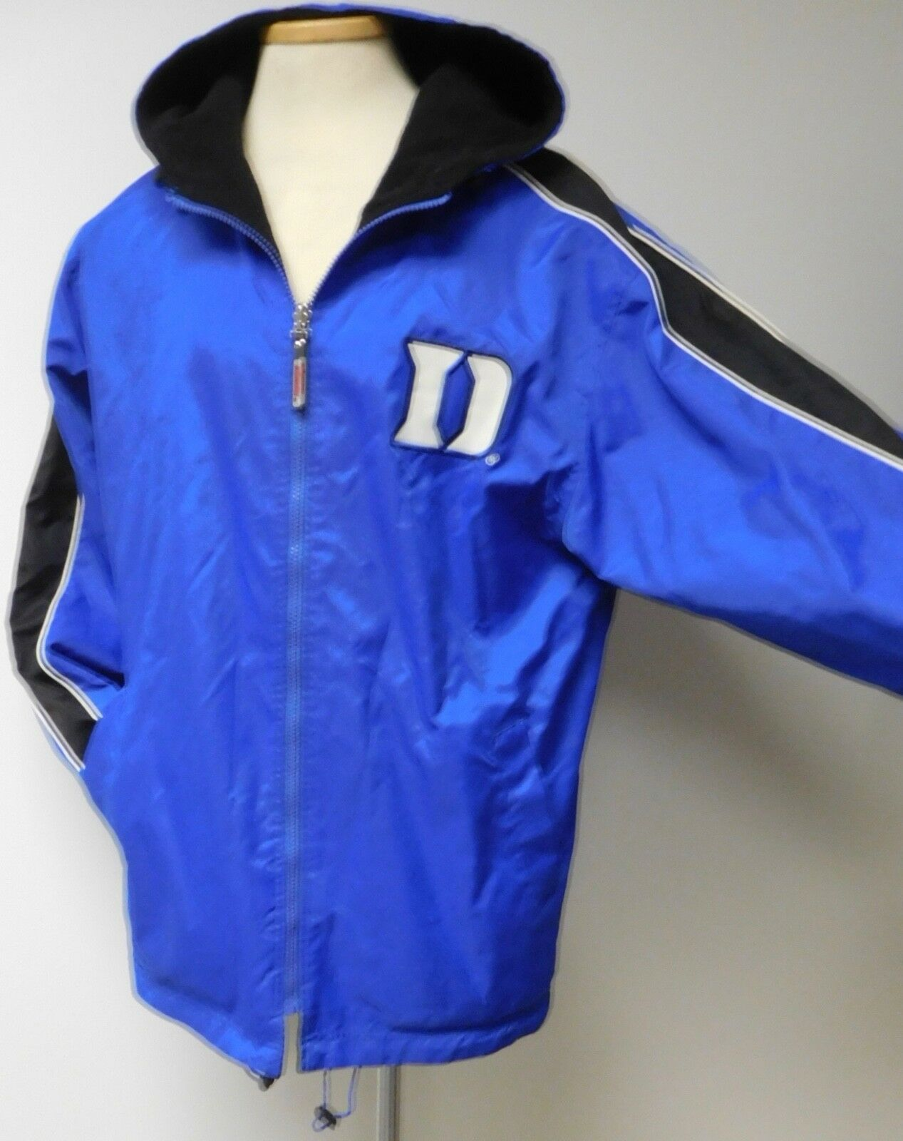 DUKE UNIVERSITY blueE DEVILS MENS REVERSIBLE NYLON FLEECE COLOSSEUM ATHLETICS MED