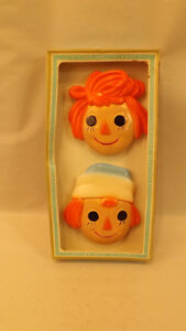 Adorable-Vtg-Miller-Studios-Raggedy-Ann-amp-Andy-Chalkware-Plaque-NOS-Hand-Painted