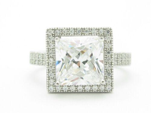 PLATINUM STERLING SILVER DIAMOND SET WHITE SAPPHIRE PRINCESS CUT DESIGN RING NEW