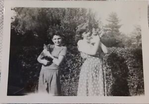 Vintage-1940-039-s-Photo-of-Boy-and-Girl-Siblings-Each-Holding-Kitty-CATS-Names
