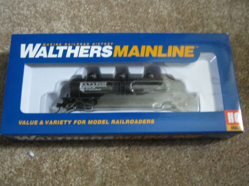 Walthers Mainline 36/' 3-Dome Tank Car NATX Brand New