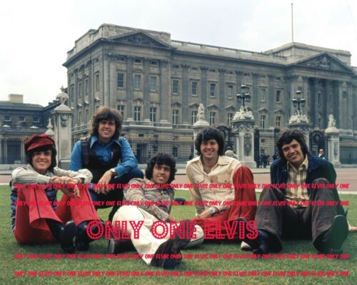 1973 POP GROUP The OSMOND BROTHERS Photo POSING IN LONDON Donny