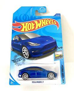 Hot Wheels FACTORY FRESH 9/10 Tesla Model 3 Blue 112/250 1:64 Scale